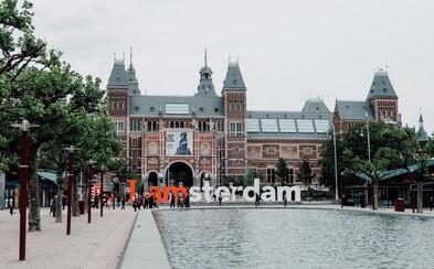 Mesto Amsterdam pomôže mladým zbaviť sa dlhov. Prevezme ich na seba a vypracuje splátkové kalendáre