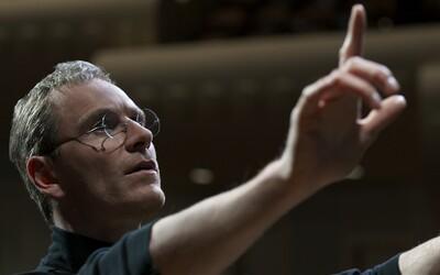 Michael Fassbender je Steve Jobs ako nik pred ním, čo dokazuje trailer plný geniality a sebectva
