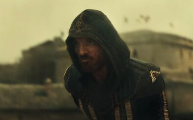 Michael Fassbender je v akčne ladenej ukážke pre Assassin's Creed pripravený vstúpiť do minulosti a stať sa vrahom Aguilarom