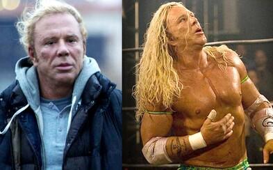 Mickey Rourke v strhujúcej dráme Wrestler predviedol životný výkon a dostal z nás slzy