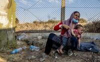 Migranti na bělorusko-polských hranicích umírají zimou. Bez vody jsou i tři dny