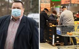 Mikas obraňuje právo nakazených ísť si nakúpiť potraviny s respirátorom. Generálny prokurátor to považuje za protizákonné