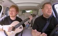 Miláček žen Ed Sheeran jednou udeřil Justina Biebera po hlavě golfovou holí. V novém Carpool Karaoke prozradil spoustu zajímavostí ze soukromí