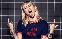 Miley Cyrus urovnala 300-miliónovú žalobu za údajné skopírovanie jedného z najväčších hitov