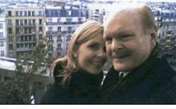 Miliardár si vzal svoju dcéru za ženu. Vibrátor, ktorý používali, bol proti nemu použitý na súde