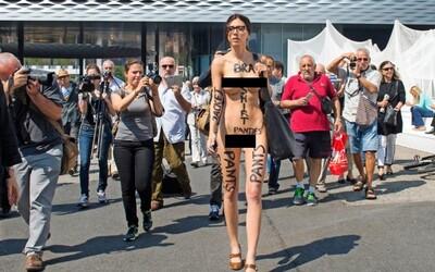 Milo Moiré, feministka bojujúca proti predsudkom nahými prechádzkami po meste a možnosťou dotknúť sa jej intímnych partií