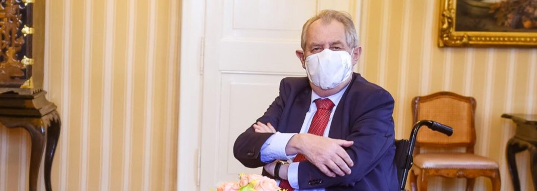 Českého prezidenta Miloša Zemana hospitalizovali. Skončil v nemocnici, v ktorej zároveň leží aj exprezident Klaus