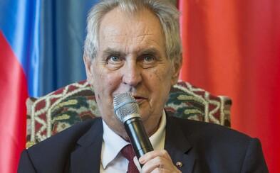 Miloš Zeman si při pádu zlomil ruku, musel jít v noci na operaci