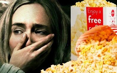 Milovaný horor Tiché miesto je taký desivý, že diváci v USA pri jeho pozeraní zabúdajú jesť pukance