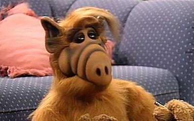 Milovaný mimozemšťan ALF sa vráti na televízne obrazovky. Nový seriál by mal chlpáča posunúť do prítomnosti