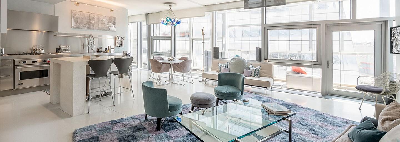 Miluješ prosklené stavby? Designový apartmán z New Yorku pro tebe bude tím pravým