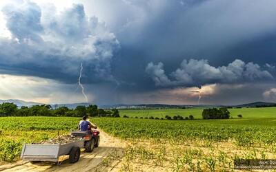 Milujú búrky a hľadajú ich po celom Slovensku. Tornáda by sa nám čoskoro nemali vyhnúť (Rozhovor)