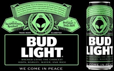 Mimozemšťania z Area 51 budú vítaní pivom zdarma