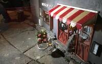Miniatúrne obchodíky pre švédske myši plné syrov a iných dobrôt nalákajú každého hlodavca