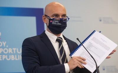 Minister Gröhling: Chceme, aby sa niektorí žiaci vrátili v pondelok do škôl, zmeníme Covid automat