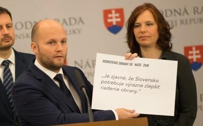Minister obrany Jaroslav Naď má koronavírus. Pozitívny test už mala aj Veronika Remišová