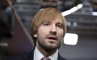 Ministr zdravotnictví Adam Vojtěch opouští karanténu, test na koronavirus má negativní i podruhé