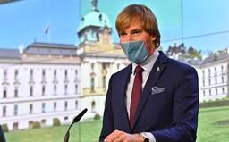 Ministr zdravotnictví Vojtěch jde do domácí karantény. Babiš nemusí