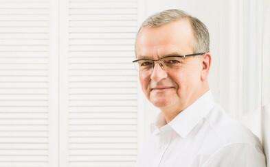 Miroslav Kalousek se vzdal poslaneckého mandátu. Dočkal se potlesku vestoje