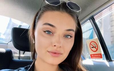 Miss Ukrajina si stěžuje na diskriminaci. Soutěž jí odebrala titul jen kvůli tomu, že je matkou