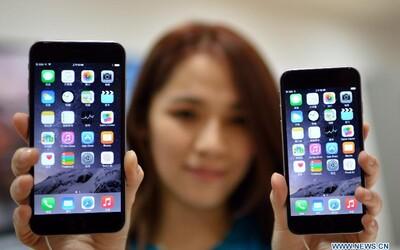 Místo zlatokopky iPhonekopka. Šikovná Číňanka si díky 20 partnerům a 20 smartphonům koupila nový dům