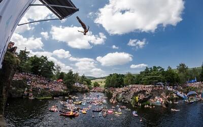 Mistrovství České republiky v cliffdivingu přivítá mimo jiné i Red Bull Tour Bus, kde vystoupí Prago Union či Smack