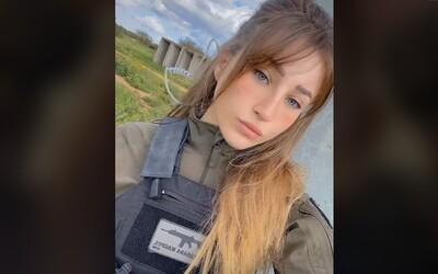 Mladá, krásna, pripravená na vojnu. Oddaná izraelská vojačka propaguje na Tiktoku armádu a jej agendu
