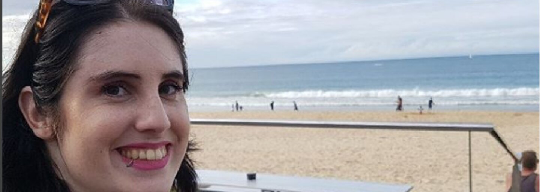 Mladá žena trpí svalovou dystrofiou, svojimi fotkami chce bojovať za uzákonenie eutanázie