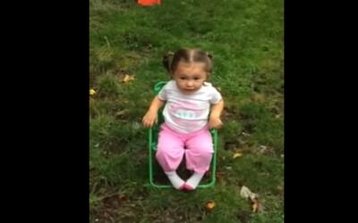 Mladé dievčatko so štipľavým slovníkom sa podujalo na Ice Bucket Challenge
