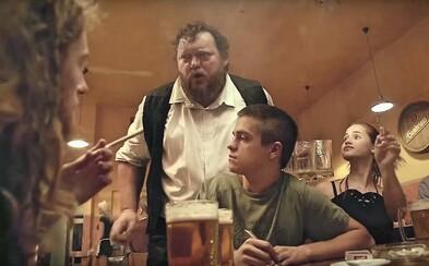 Mladí Češi pijí výrazně méně alkoholu než v minulosti. Čas tráví raději na sociálních sítích