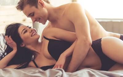 Mladí lidé mají podle průzkumu problémy se sexem i vztahy. Téměř dvě třetiny kluků se bojí, že budou pro svoji partnerku zklamáním
