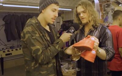 Mladí Slováci si kúpou a následným predajom oblečenia dokážu zarobiť tisíce. Boli sme v priestore, kde vystavujú svoje kúsky