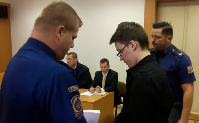 """Mladík z Česka ubodal kamarádku. """"Doufám, že ji to bolelo,"""" napsal po vraždě na sociální sítě"""