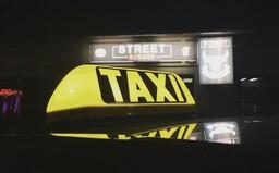Mladík z Malaciek namiesto zaplatenia porezal taxikára nožom