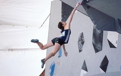 Mladučká francúzska lezkyňa tragicky zahynula. Mala spadnúť zo skaly vo výške 150 metrov