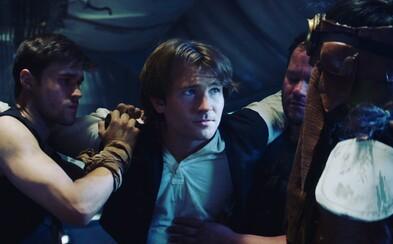 Mladý Han Solo zachraňuje svojho parťáka Chewbaccu v premakanom fanúšikovskom filme zo sveta Star Wars
