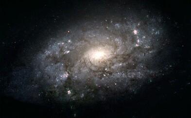Mléčná dráha váží jako 960 miliard Sluncí. Většinu její hmotnosti tvoří temná hmota