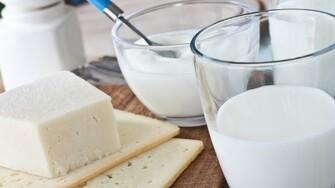 Mlieko a mliečne výrobky sú vraj pre ľudí škodlivé, zbytočné a iní vravia, že anabolické a zdravé. Aká je realita?