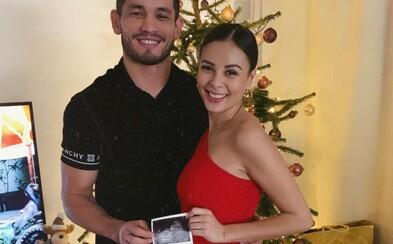 MMA bojovník Makhmud Muradov a zpěvačka Monika Bagárová čekají dítě