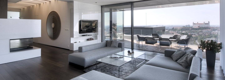 Množstvo vstavaného nábytku či Bratislava ako na dlani. Moderné bývanie v lukratívnej lokalite ťa pohltí