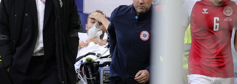 Moc děkuji za podporu, jsem v pořádku, vzkázal z nemocnice dánský fotbalista, kterého museli 15 minut oživovat přímo na hřišti