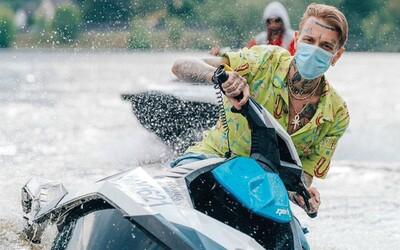 Móda Refresher: Yzomandias ve stylu drogového dealera a Dalyb s taškou Louis Vuitton za desetitisíce korun