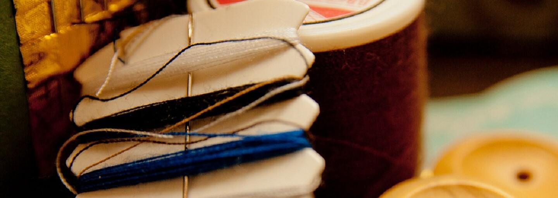 Móde začína dominovať slow fashion. Dizajnérom, ktorým záleží na životnom prostredí a ľudskej práci, sa darí aj u nás
