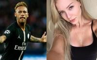 Modelka, která obvinila Neymara ze znásilnění, zveřejnila video z hotelového pokoje