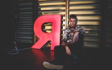 Módní designér Jan Černý představuje unikátní módní show, o hudbu se postaral NobodyListen a The Musa