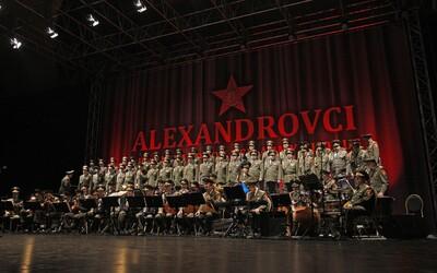 Mohutné hlasy Alexandrovců burcovaly národ do války a jsou známé po celém světě. Znáte jejich vystoupení?
