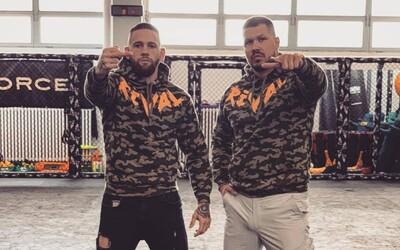 Momo rapuje srbsky v nástupovke pre Vlastu Čepa. Táto skladba sa bude ozývať pred krvavými zápasmi MMA