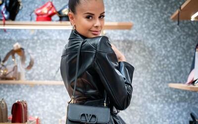Monika Bagárová zvodná ako nikdy predtým alebo Dalyb v kúskoch za tisíce €. Aké outfity vytiahli známe tváre tentokrát?