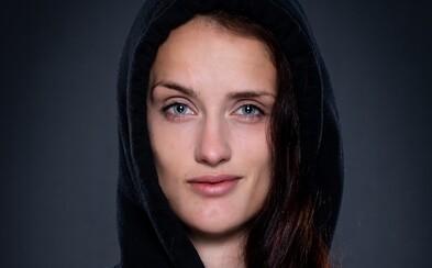 Monika Chochlíková: Standupová scéna bola frustrovaná z toho, že MMA zápasníci išli strašne do popredia (Rozhovor)