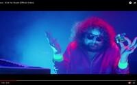 Monkey Business mají v novém klipu Bena Cristovaa, Ewu Farnou, Vaša Patejdla a další. Nové album vyjde v říjnu